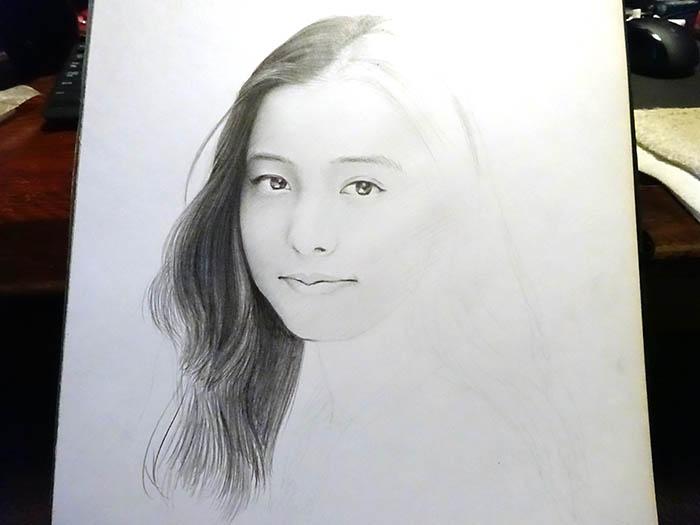 鉛筆画で描く人物4