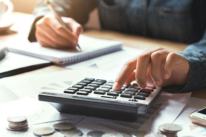 電気代、電話代、回線費用は経費にならないので会社と交渉が必要