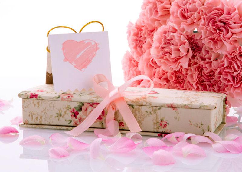母の日に贈る、プレゼント・ギフト選びのマナーやコツって何?