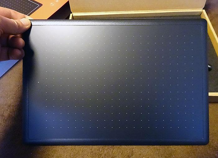 ワコムのペンタブ One by Wacomの箱を開けてみた