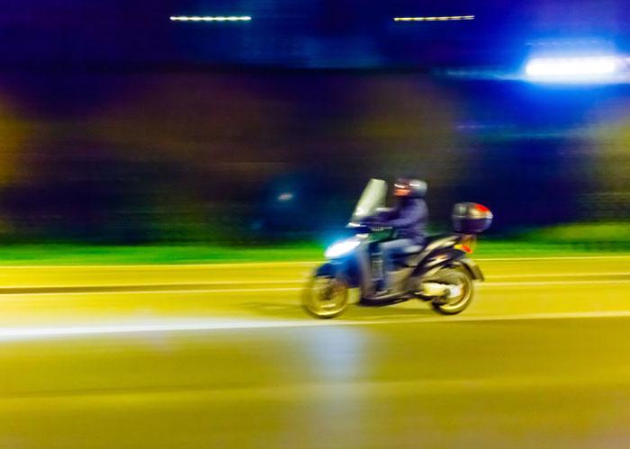 バイク通勤は、スクーターかMT車か?
